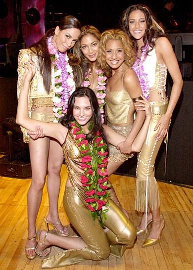 Зарубежная группа девушек
