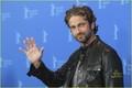 Gerard Butler: 'Coriolanus' Photo Call at Berlin Film Fest! - gerard-butler photo