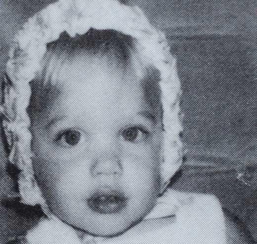 Анджелина Джоли в детстве 1