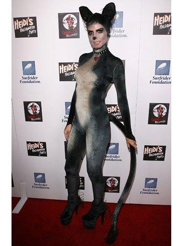 cos-klum-cat-costume