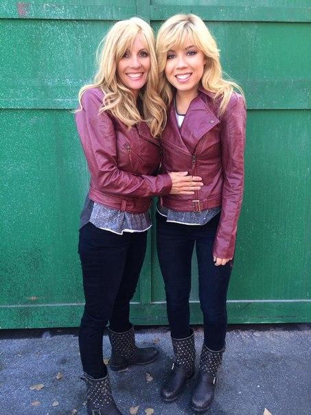 Дженнет маккарди и ее сестра близнец
