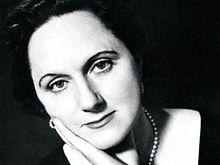Novelist elizabeth taylor