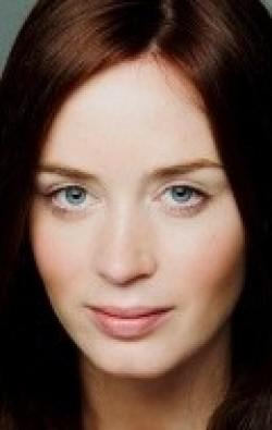 В главной роли Актриса Эмили Блант, фильмографию смотреть .