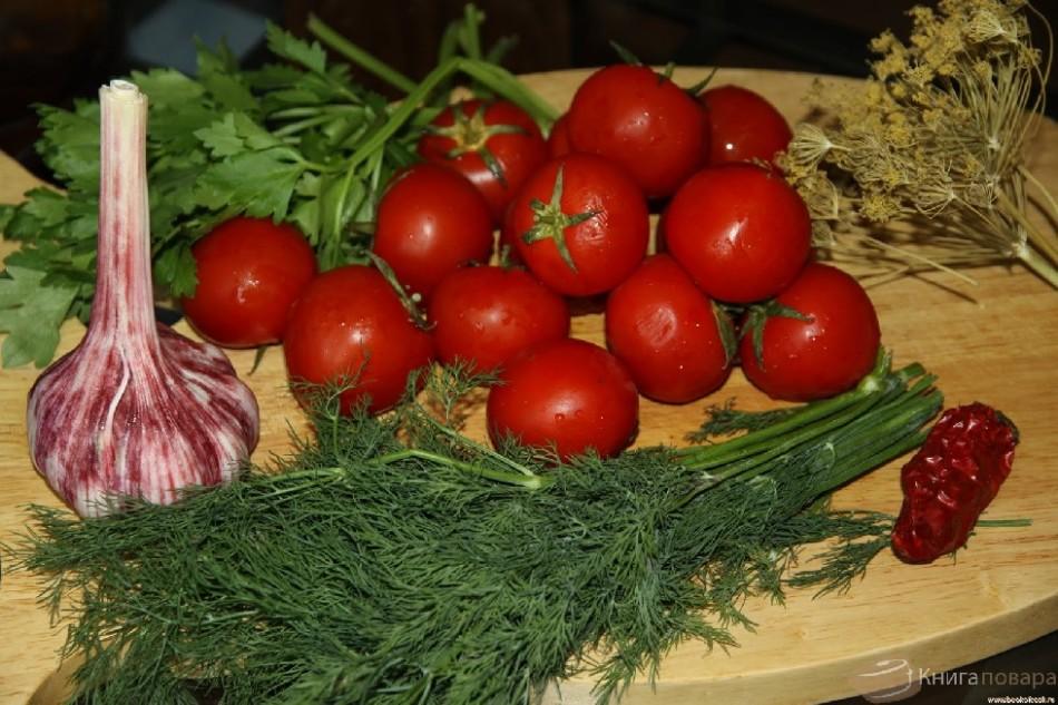 Красные помидоры соленые холодным способом