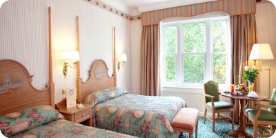 Disneyland paris hoteles hoteles en disneyland for Habitacion familiar disneyland paris