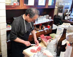 Ресторан, специалирующийся на блюдах из морепродуктов в городе Нара, Япония