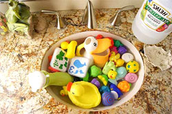Natural-Toy-Cleaning-Ways