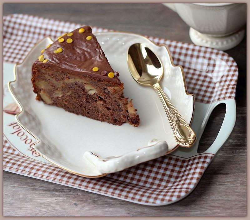 Яблочный пирог с шоколадом и маком