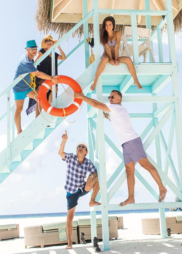 Нюша и Игорь Сивов с друзьями на Мальдивах