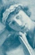 В главной роли Актриса Дороти Камминг, фильмографию смотреть онлайн.