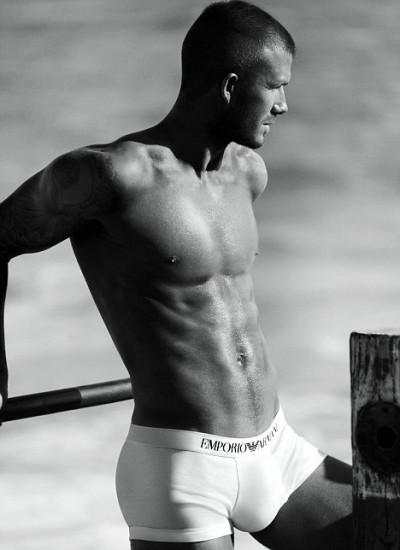 Самый красивый мужчина мира голый