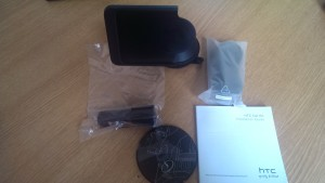 HTC One Car Kit Contents