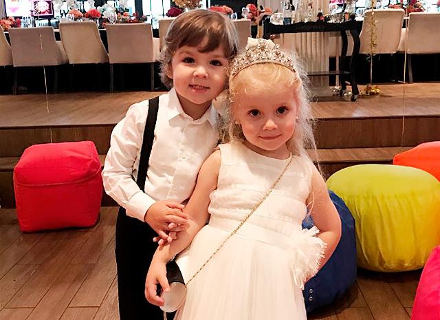 Алла Пугачева и Максим Галкин с размахом отпраздновали день рождения детей Лизы и Гарри: фото и видео