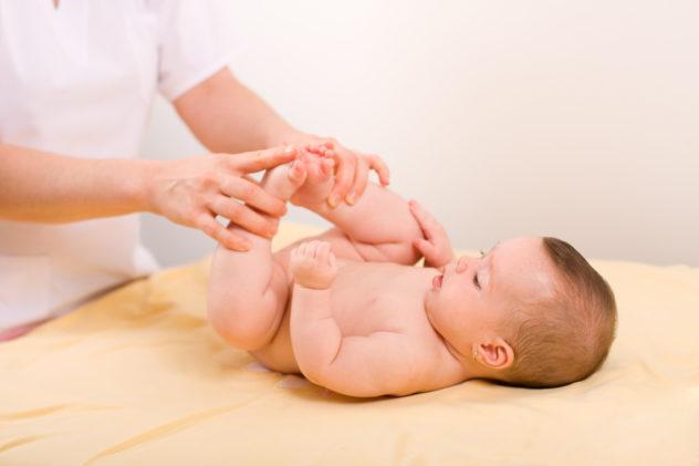 Каких врачей надо пройти новорожденному в месяц