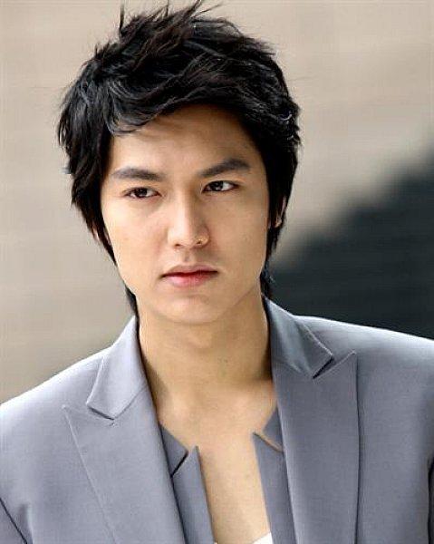 Professional Medium Haircut for Korean Men