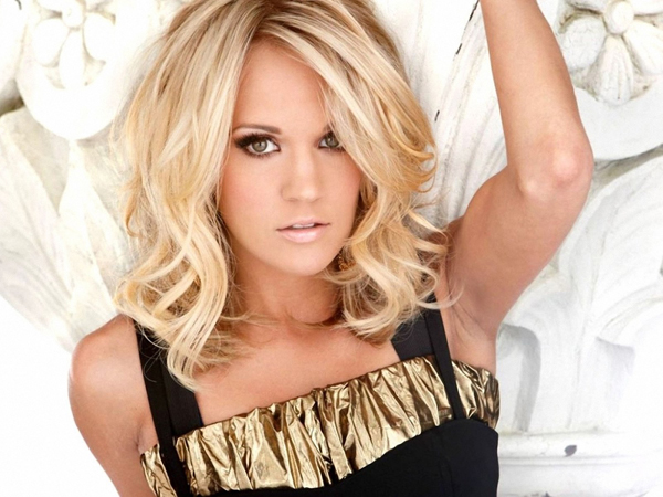 Carrie underwood beach pictures