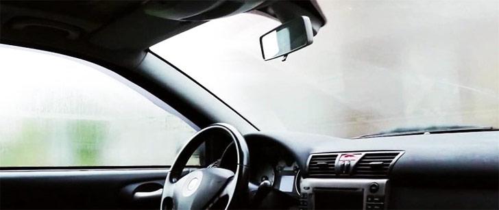 Что делать потеют окна в авто