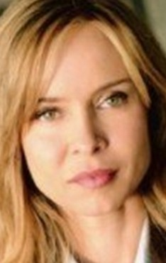 В главной роли Актриса Джиллиан Джонс, фильмографию смотреть онлайн.