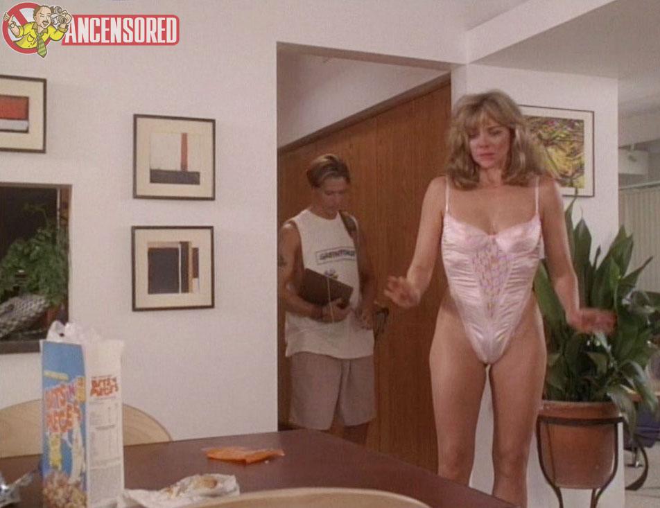 Kim cattrall live nude