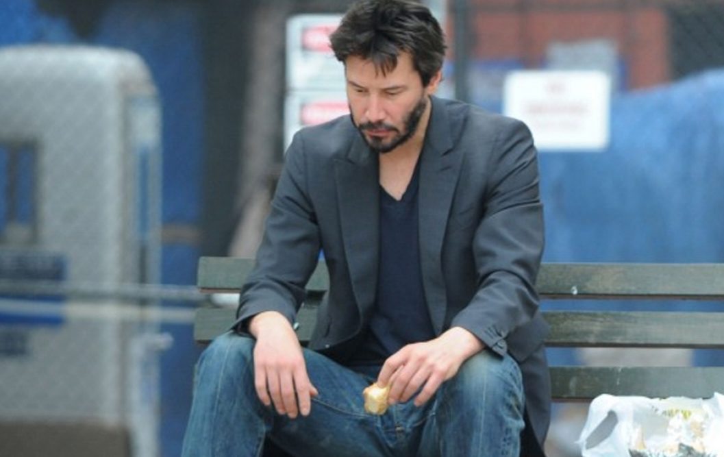 Who is keanu reeves engaged to