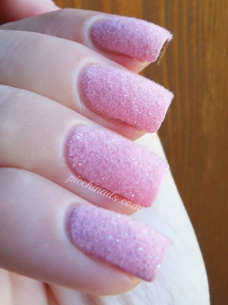 Pink fluffy nails