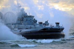 У разбитого корыта: российским военным кораблям больше не нужны украинские двигатели
