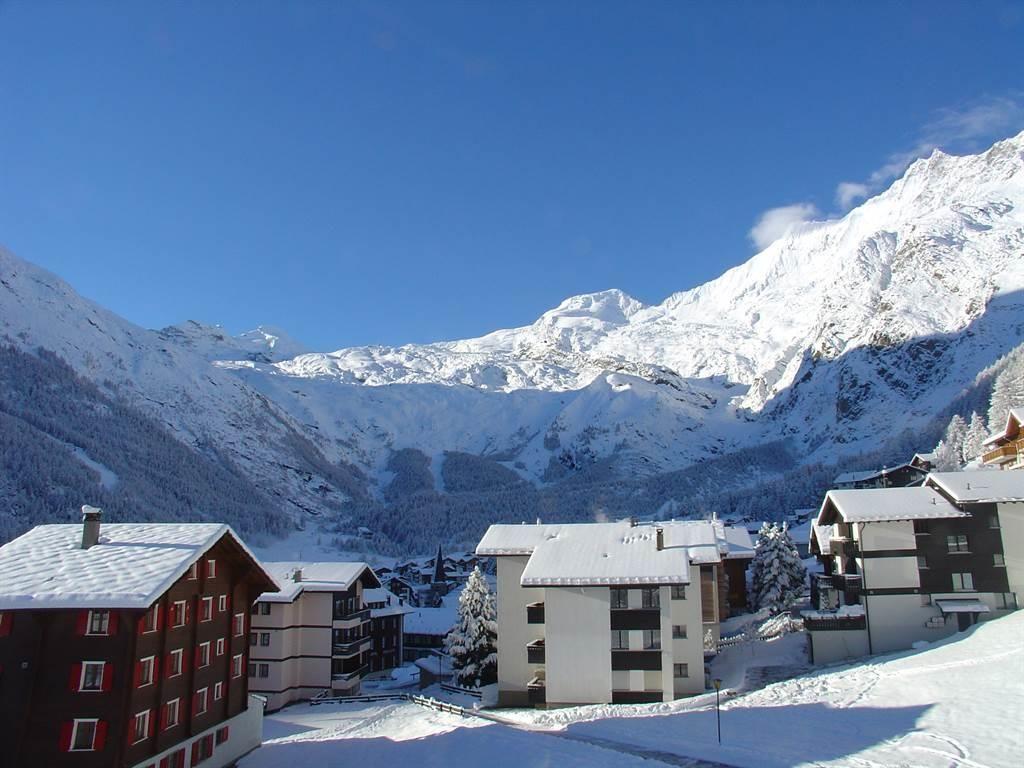 Aussicht vor dem Hotel im Winter