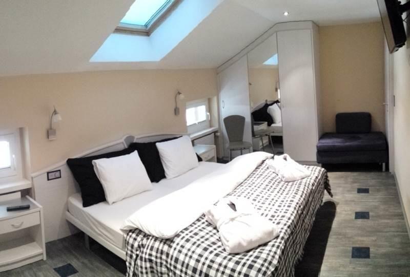 Doppelzimmer mit Whirlwanne