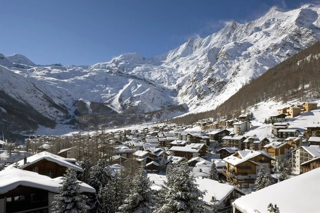 Dorf Saas-Fee Winter