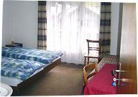 Eines der 2-Bett-Zimmer.