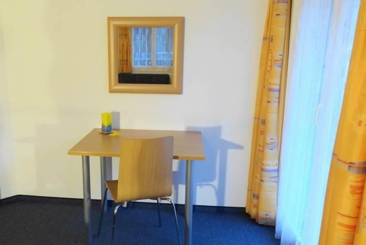 Doppelzimmer  mit  Westbalkon