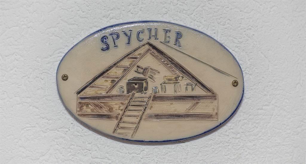 Namensschild Deluxe Zimmer Spycher