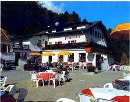 Fletschhorn Waldhotel aussen