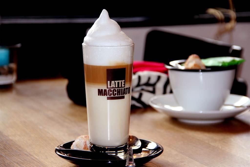 Coffee-Snacks-Bar