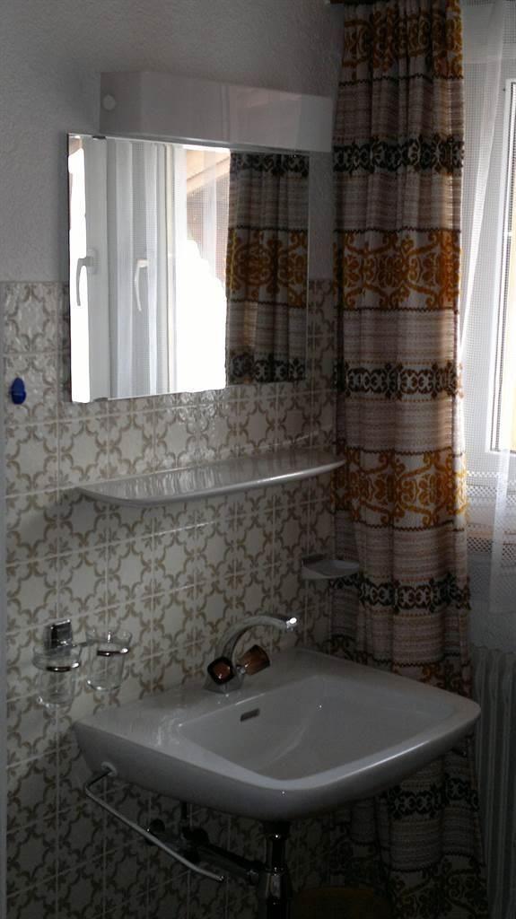 Doppelzimmer mit Lavabo