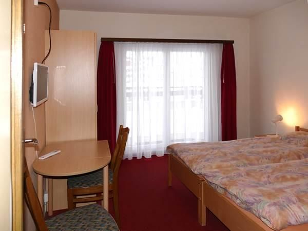 1. Stock / Doppelzimmer mit Südbalkon