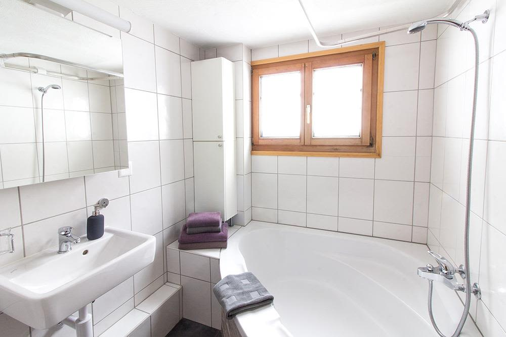 2018_taeschhorn_8_badezimmer.jpg