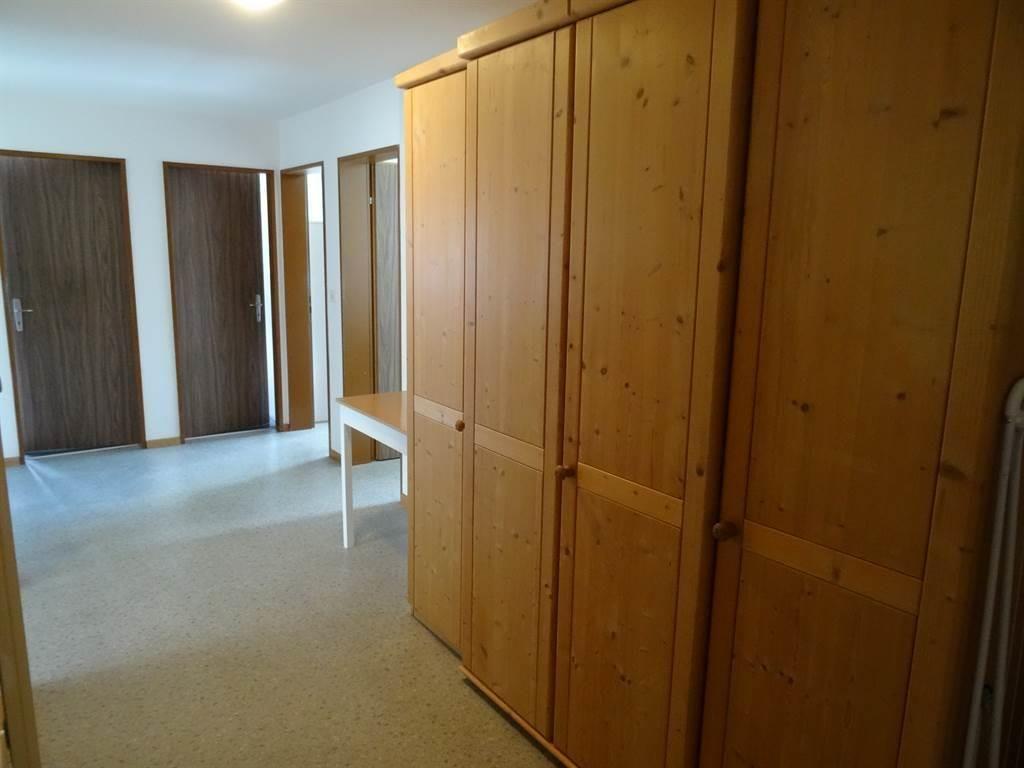 Korridor mit viel Stauraum