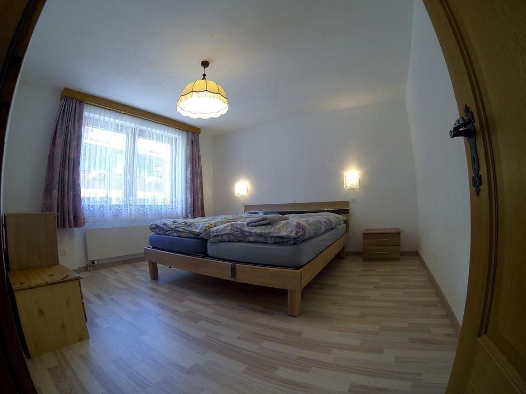 Zimmer 4