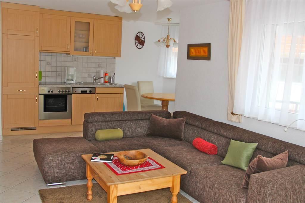 Wohnzimmer & Küche