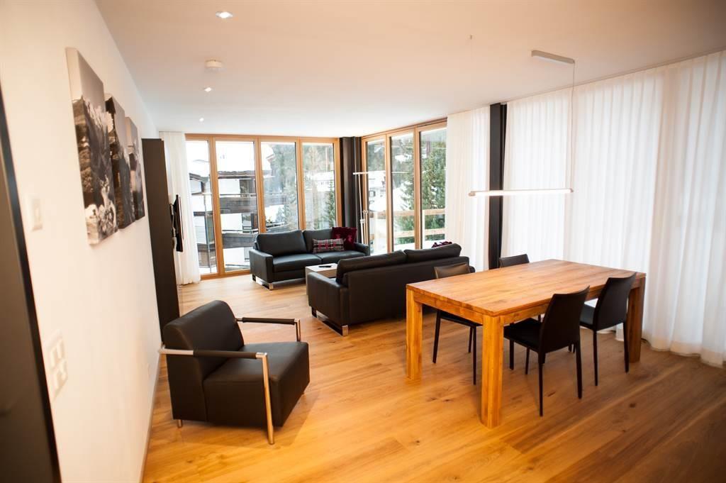 Wohnraum mit Panoramafenser