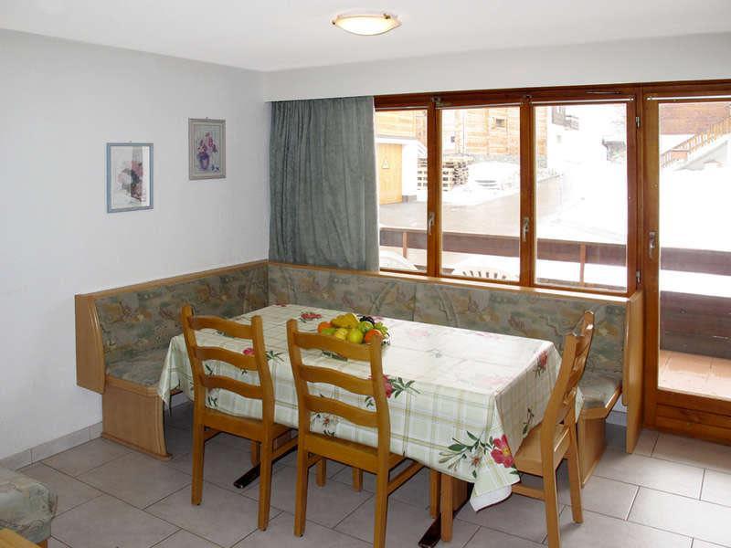 Chalet-Venetz-Saas-Fee-3-Sitzen