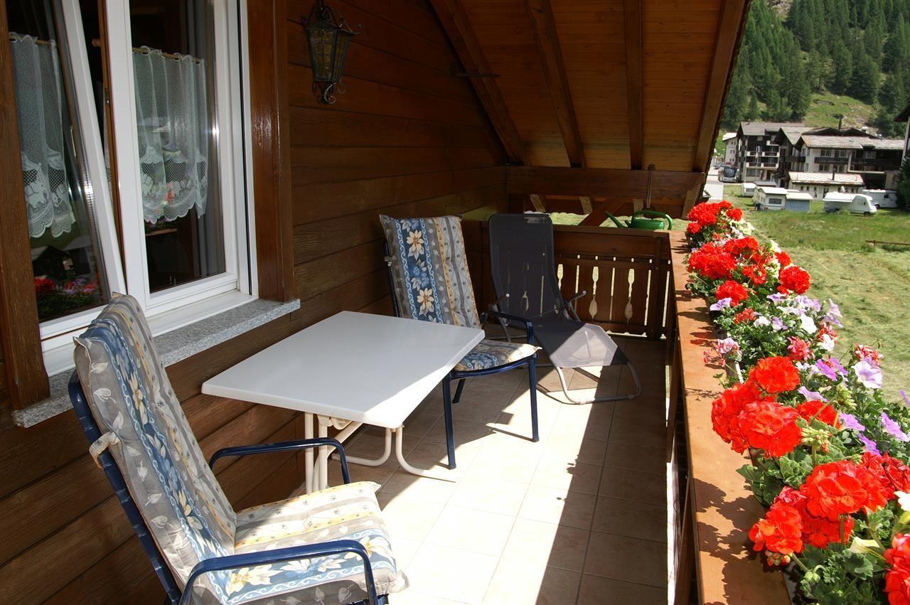 Balkon/Sitzplatz