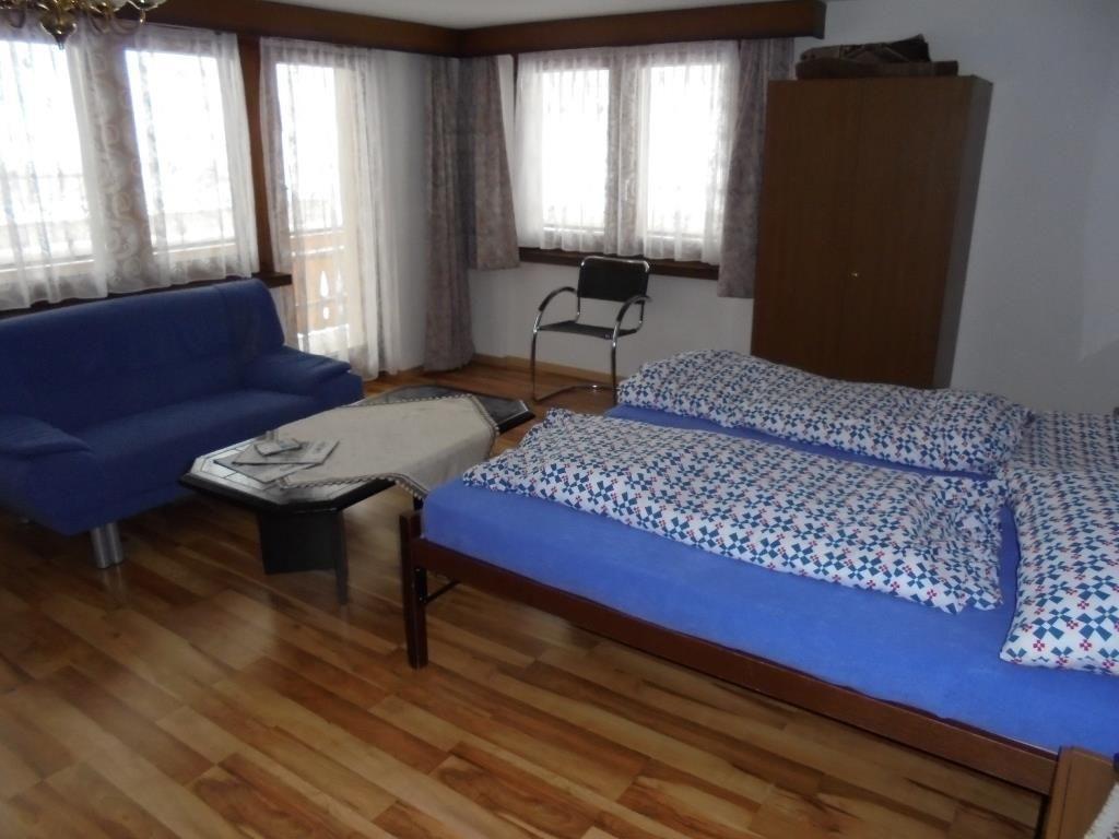 Schlafgelegenheit im Wohnzimmer
