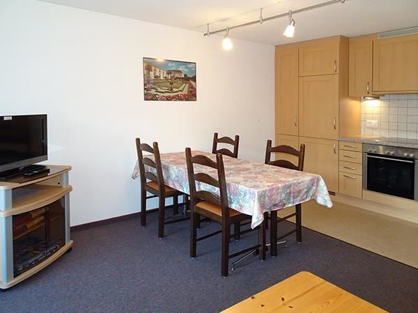 1. Stock / Küche mit Südbalkon