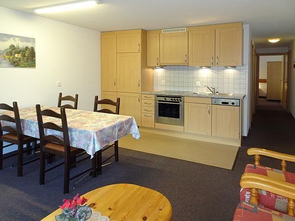 2. Stock / Küche mit Südbalkon
