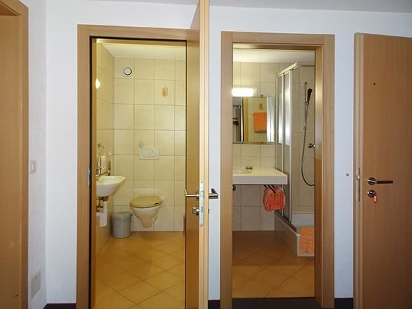 WC & DU getrennt
