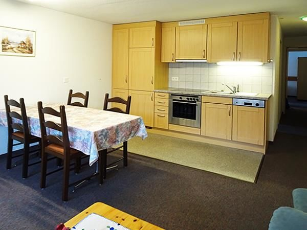 3. Stock / Küche mit Südbalkon