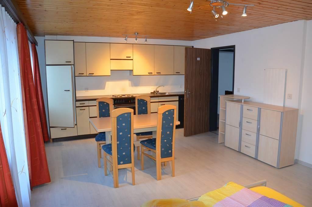 Dreierzimmer mit kleiner Küche