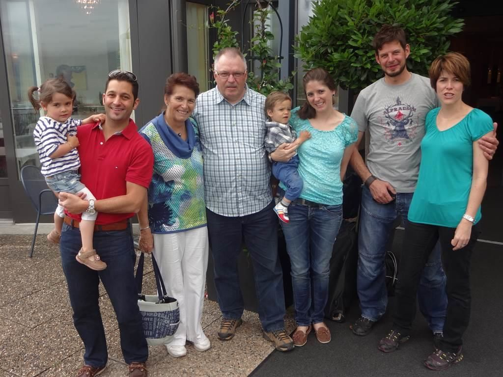 Familie Bumann mit Anhang